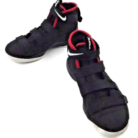 newest a3e29 e1617 Nike LEBRON SOLDIER XI 918368-002 Boys 1Y Black. M 5c1032e6f63eeab0acbcda01